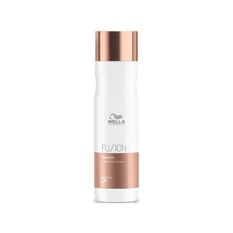 Intensyviai plaukus atkuriantis šampūnas Wella Professionals Fusion Hair Recovery Shampoo WEL81616671, 250 ml