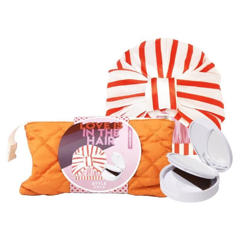 Plaukų priežiūros priemonių rinkinys Style Dry Love Is In The Hair Set SDGSLE102, rinkinį sudaro: sausas šampūnas - pudra, dušo kepurėlė ir kosmetinė